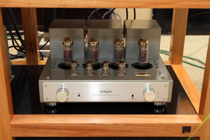 LM Audio 211IA integrated amplifier
